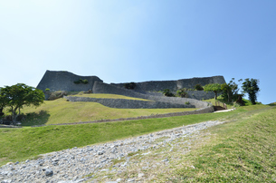 勝連城跡(沖縄、世界遺産)の写真素材 [FYI02977898]