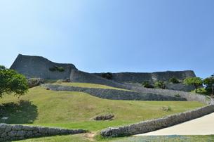 勝連城跡(沖縄、世界遺産)の写真素材 [FYI02977900]
