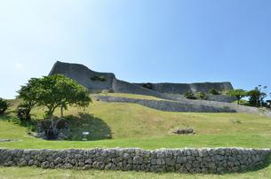 勝連城跡(沖縄、世界遺産)の写真素材 [FYI02977903]