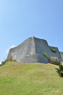 勝連城跡(沖縄、世界遺産)の写真素材 [FYI02977905]