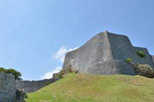 勝連城跡(沖縄、世界遺産)の写真素材 [FYI02977907]