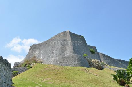 勝連城跡(沖縄、世界遺産)の写真素材 [FYI02977908]