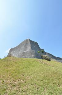 勝連城跡(沖縄、世界遺産)の写真素材 [FYI02977910]