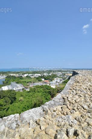 勝連城跡(沖縄、世界遺産)の写真素材 [FYI02977920]