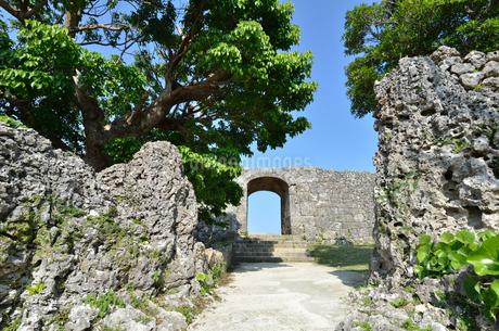 中城城跡(沖縄、世界遺産)の写真素材 [FYI02977935]