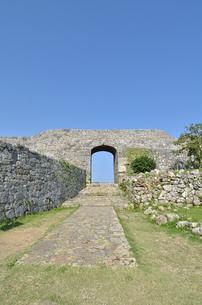 中城城跡(沖縄、世界遺産)の写真素材 [FYI02977938]