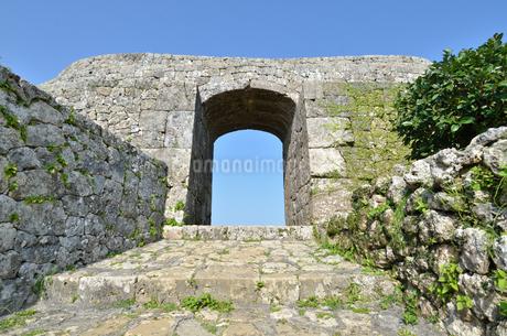 中城城跡(沖縄、世界遺産)の写真素材 [FYI02977941]