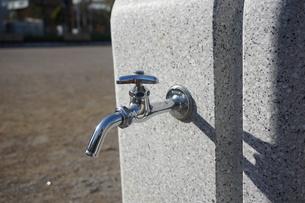 水道の蛇口の写真素材 [FYI02978444]