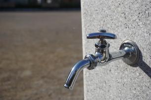 水道の蛇口の写真素材 [FYI02978445]