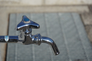 水道の蛇口の写真素材 [FYI02978451]