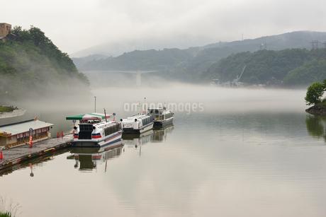 恵那峡 遊覧船の写真素材 [FYI02978739]