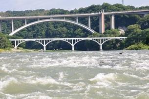 増水した相模川の写真素材 [FYI02978789]