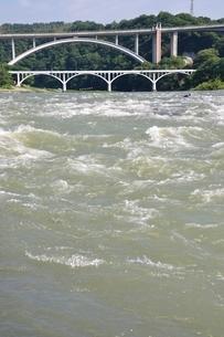 増水した相模川の写真素材 [FYI02978791]
