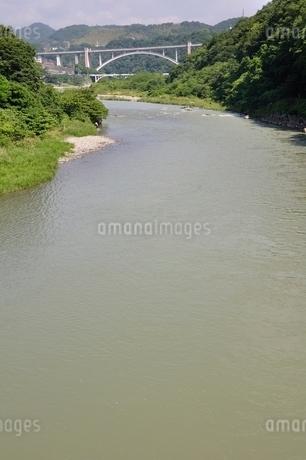 増水した相模川の写真素材 [FYI02978834]