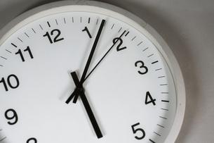 シンプルな時計のイメージの写真素材 [FYI02978853]