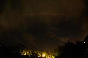 山中湖と星景の写真素材 [FYI02979309]