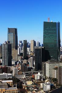高層ビルが立ち並ぶ東京の町並みの写真素材 [FYI02979618]