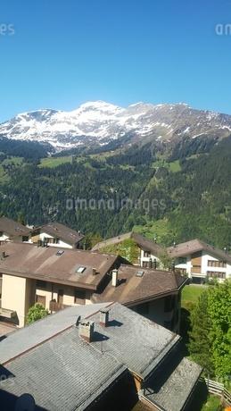 スイス ヴェンゲン 屋根裏部屋からの風景 7の写真素材 [FYI02979912]