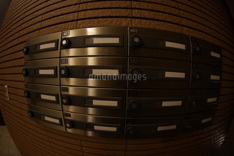 マンションのエントランスのイメージの写真素材 [FYI02980396]