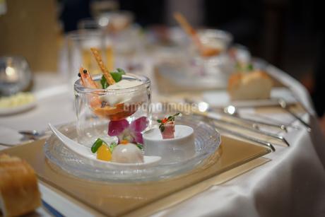 披露宴の食事の写真素材 [FYI02980425]