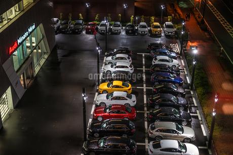 カラフルな車のイメージの写真素材 [FYI02980447]