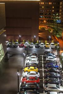 カラフルな車のイメージの写真素材 [FYI02980449]