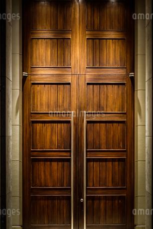 扉のイメージの写真素材 [FYI02980452]