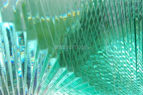 波打つ模様のガラスアートの写真素材 [FYI02980654]