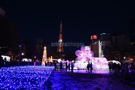 札幌市 大通公園、イルミネーションの風景 の写真素材 [FYI02980701]