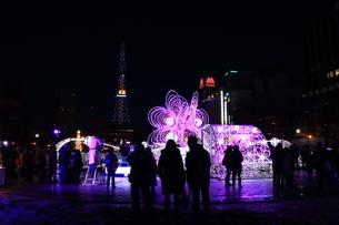 札幌市 大通公園、イルミネーションの風景 の写真素材 [FYI02980704]