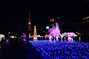 札幌市 大通公園、イルミネーションの風景 の写真素材 [FYI02980706]