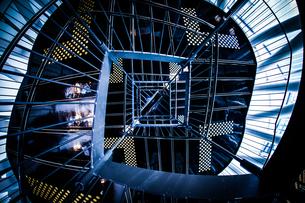 螺旋階段のイメージの写真素材 [FYI02981208]