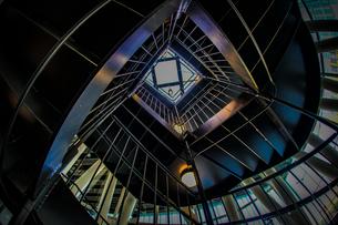 螺旋階段のイメージの写真素材 [FYI02981210]