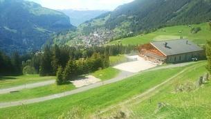 スイス ユングフラウ地方 ヴェンゲンアルプ~ウェンゲン 3の写真素材 [FYI02981322]