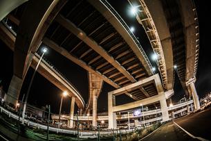 首都高速湾岸線・大黒ジャンクション(横浜市鶴見区)の写真素材 [FYI02981333]