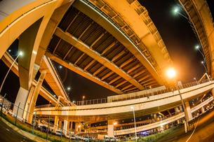 首都高速湾岸線・大黒ジャンクション(横浜市鶴見区)の写真素材 [FYI02981346]