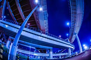 首都高速湾岸線・大黒ジャンクション(横浜市鶴見区)の写真素材 [FYI02981354]