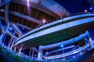首都高速湾岸線・大黒ジャンクション(横浜市鶴見区)の写真素材 [FYI02981360]