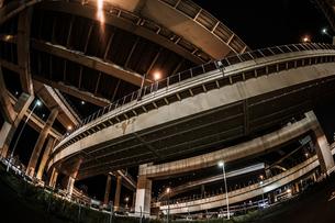 首都高速湾岸線・大黒ジャンクション(横浜市鶴見区)の写真素材 [FYI02981363]