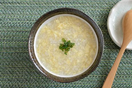 玉子粥の写真素材 [FYI02981552]