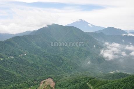 今倉山 松山から望む富士山の写真素材 [FYI02981783]