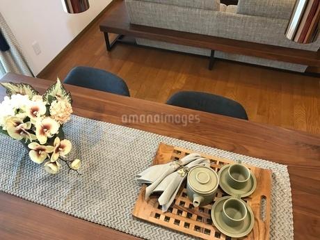ダイニングテーブルの写真素材 [FYI02982370]