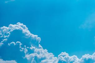 真夏の空の写真素材 [FYI02982704]
