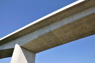 建設中の高速道路のインターチェンジの写真素材 [FYI02983179]