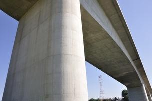建設中の高速道路のインターチェンジの写真素材 [FYI02983182]