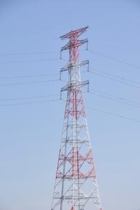 紅白の鉄塔の写真素材 [FYI02983184]