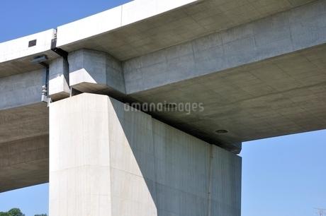 建設中の高速道路のインターチェンジの写真素材 [FYI02983203]