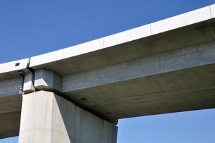 建設中の高速道路のインターチェンジの写真素材 [FYI02983204]
