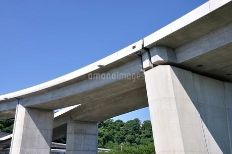 建設中の高速道路のインターチェンジの写真素材 [FYI02983205]