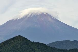 大室山からの富士山の写真素材 [FYI02983254]